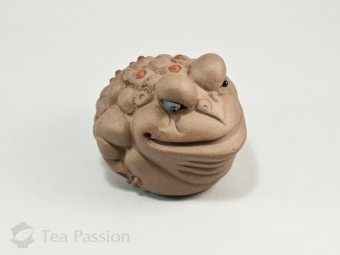 "Чайная фигурка ""Трехлапая жаба"""